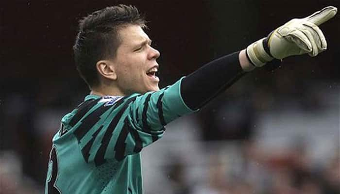 Szczesny leaves Gunners for Roma on loan