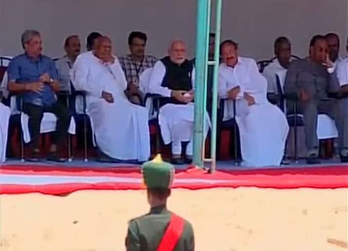 PM Narendra Modi with Venkaiah Naidu & Konijeti Rosaiah(Tamil Nadu Governor) at the last rites ceremony of #DrKalam -twitter@ANI_news