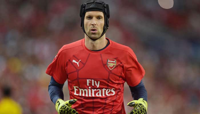 "Chelsea`s Petr Cech sale a ""favour"" to Gunners, says Mathieu Flamini"