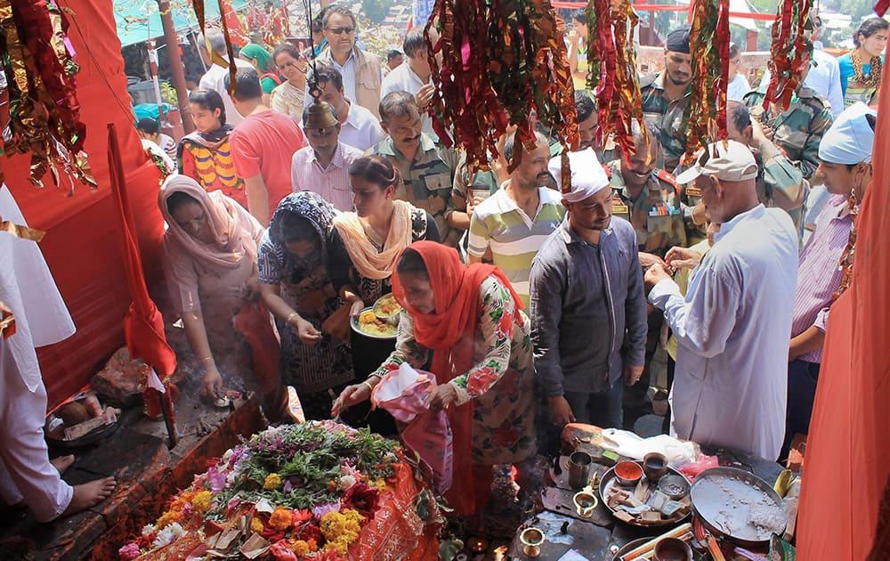 Kashmiri pandits paying obeisance to Mata Jawala Ji at Khrew Pulwama district.