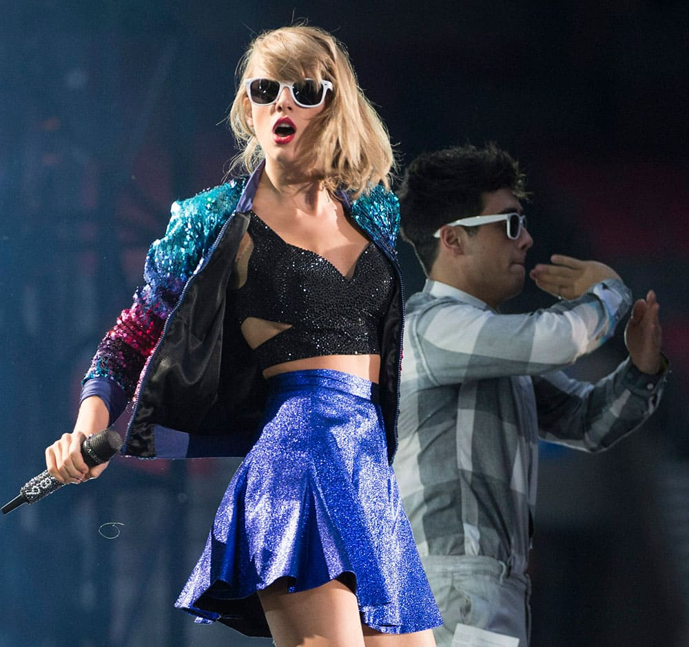 Taylor Swift performs during her 1989 World Tour in Vancouver, B.C.