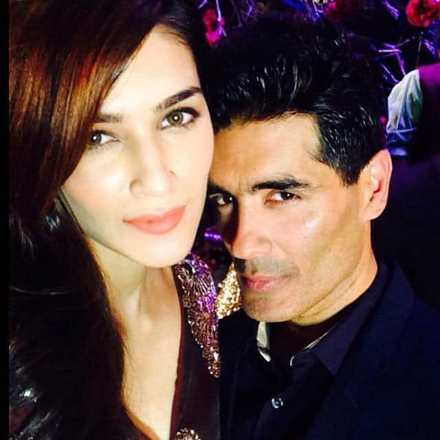 #kritisanon takes a selfie with Designer #manishmalhotra at Amazon #india Couture Week 2015. -twitter