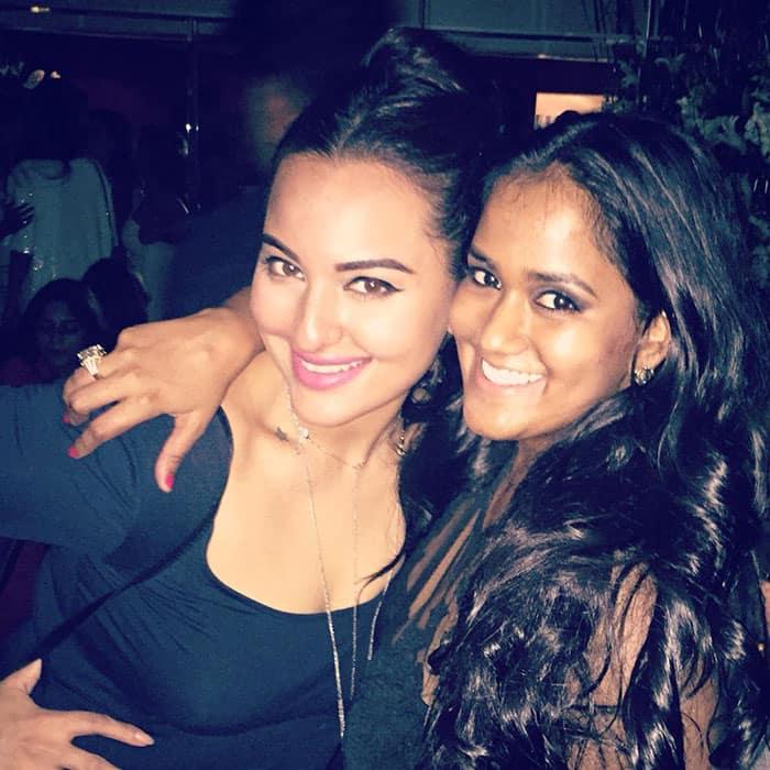 Sonakshi Sinha :-Happy birthday @khanarpita  -twitter