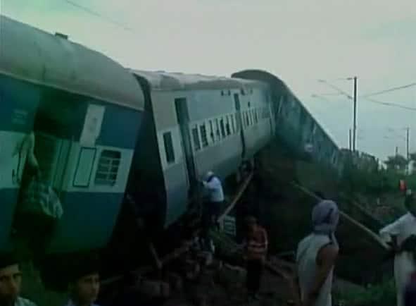 28 dead in twin train derailment incident in MP (Visuals of spot where trains derailed) Twitter@ANI_news