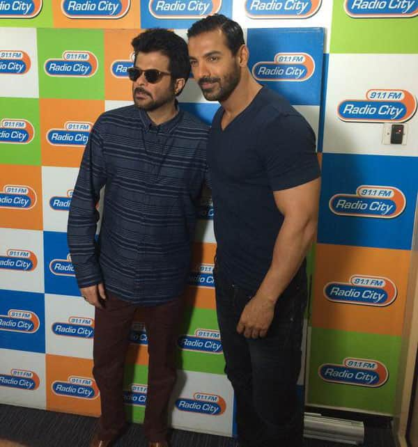 @AnilKapoor and @TheJohnAbraham promoting #WelcomeBack at OYE FM and Radio City! ;) -Twitter@ErosNow