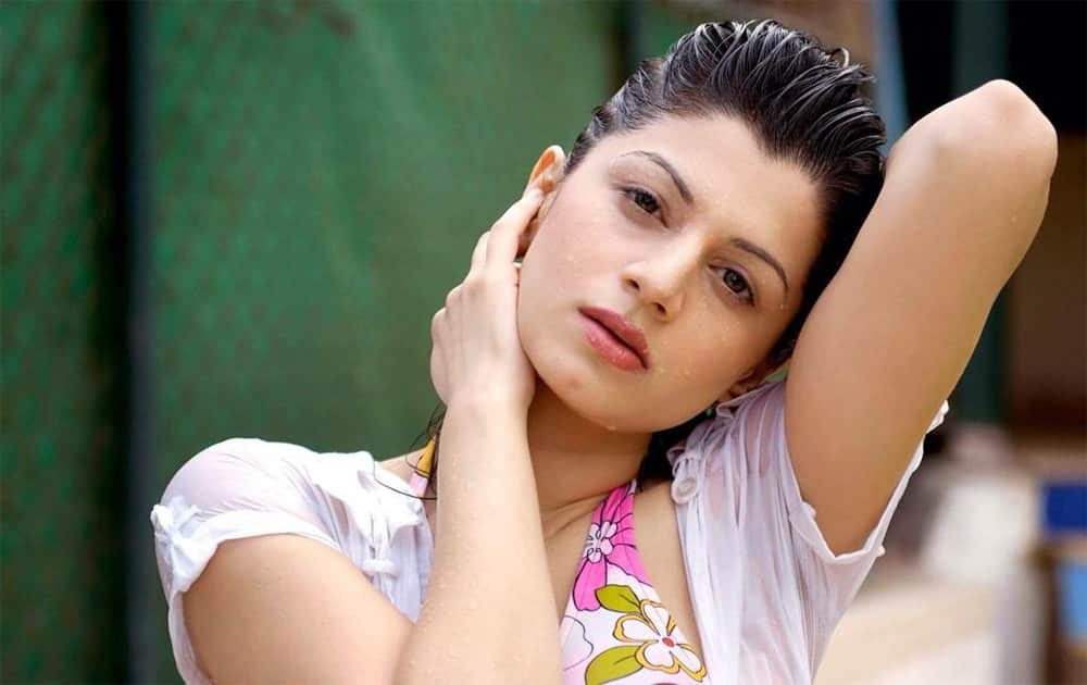 @kainaatarora one of the very best..so gorgeous!! Twitter@kainaatarora