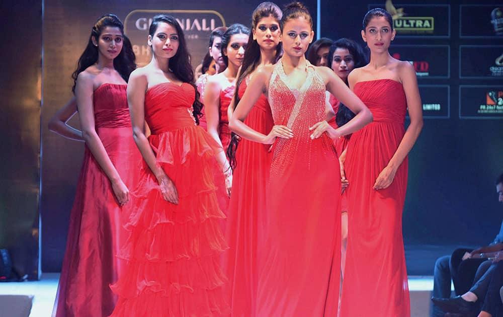 Models walk the ramp during Bhopal Style Week.