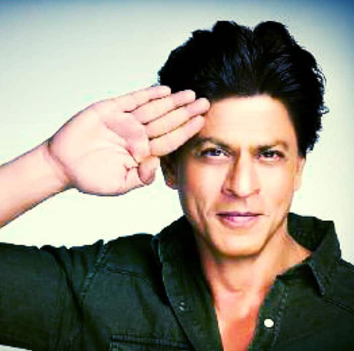 Shah Rukh Khan :- Salute 2 r Armed Forces, who selflessly risk their lives 2 protect our beloved country & our families. #SaluteSelfie -twitter