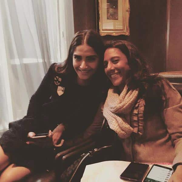 Guess who's back from her 1 month holiday!! Yayyy!! @radhkarle you were missed!! http://ift.tt/1WnOKdV Twitter@sonamakapoor