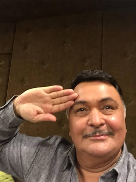 #SaluteSelfie Saluting the Nation,thank you the Armed Forces. Jai Hind! Twitter@chintskap