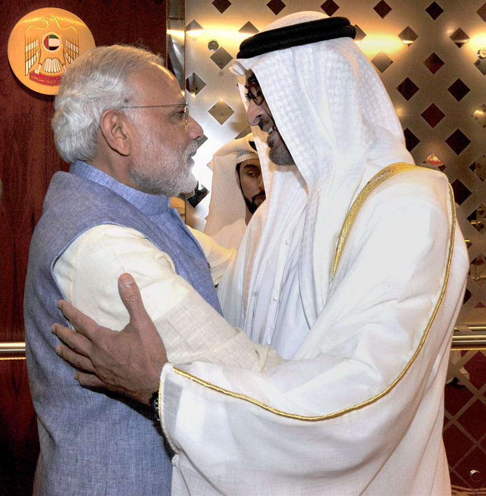 Prime Minister Narendra Modi being welcome by Crown Prince of Abu Dhabi Sheikh Mohammed Bin Zayed al Nahyan on his arrival in Abu Dhabi.