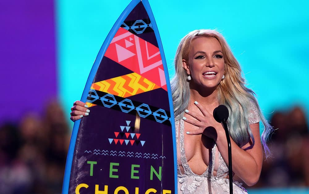 Britney Spears accepts the choice style icon award at the Teen Choice Awards at the Galen Center in Los Angeles.