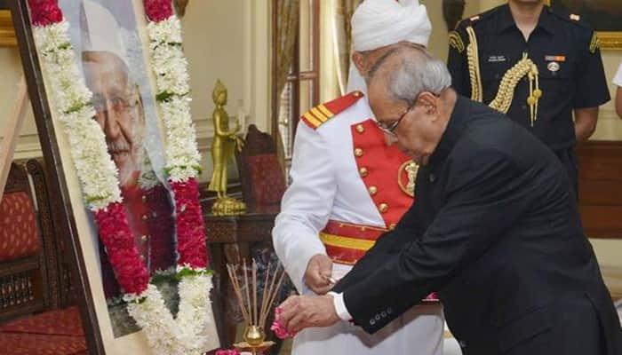 President Pranab Mukherjee pays tributes to Shanker Dayal Sharma