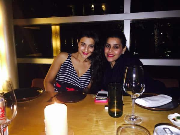 Lovely evening at the 4 seasons mumbai ameesha_patel - Twitter@KuunalGoomer