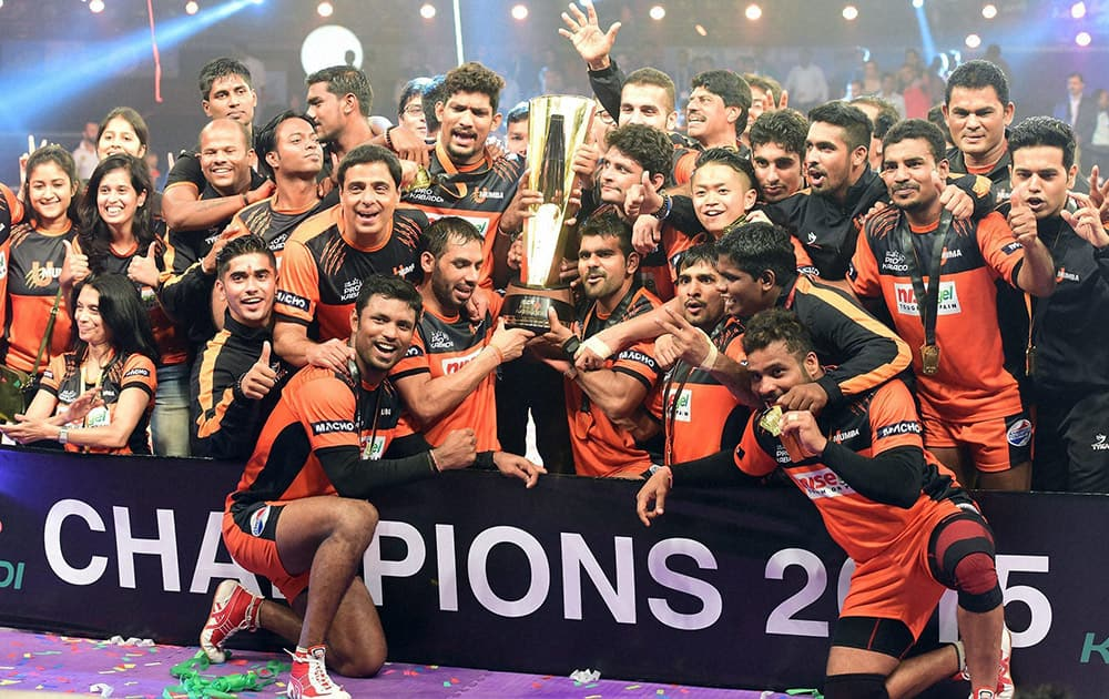 Pro Kabaddi League 2015 Champions, U Mumba celebrate their victory over Bangaluru Bulls in Mumbai.
