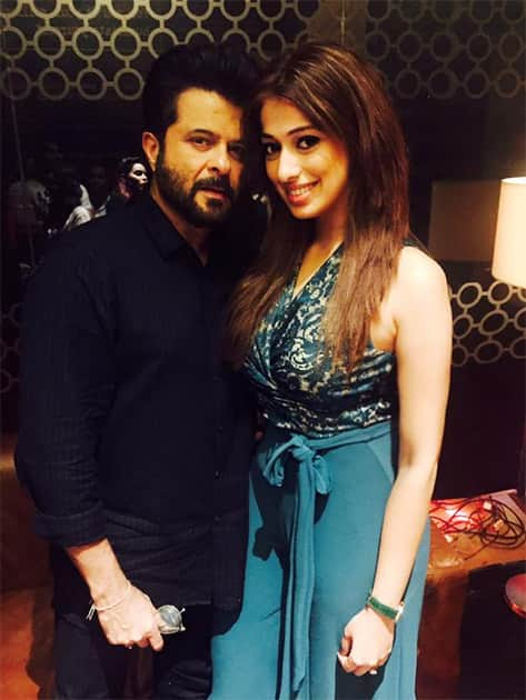 With the man who stole the show in #WelcomeBack @AnilKapoor wat a film laughed so much hilarious movie. Twitter@iamlakshmirai