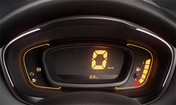 The piano black centre console comes with a chrome-surround and houses the Media-Nav multimedia/navigation system.