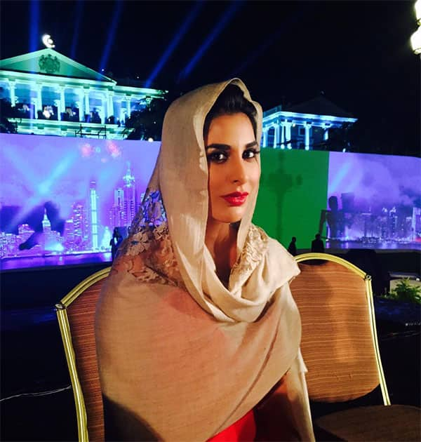 #falaknumapalace #hyderabad ..Beautiful setting, nonstop rain, shawl to the rescue & the show must go on!. Twitter@Sophie_Choudry
