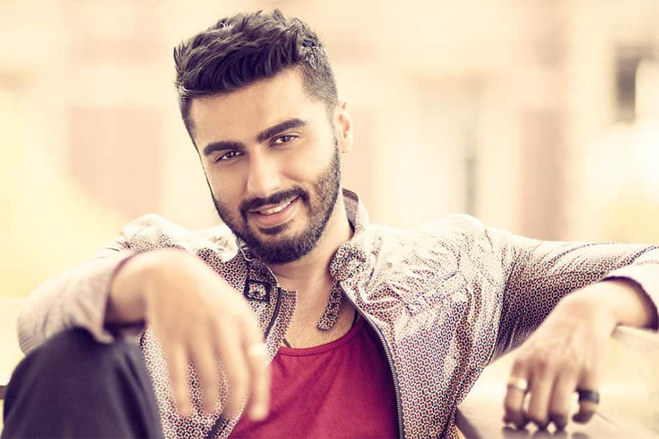 Smiling Kapoor it's a rarity I tell u...@prasadnaik I don't know how u managed...and now it's saved for posterity... Twitter@arjunk26