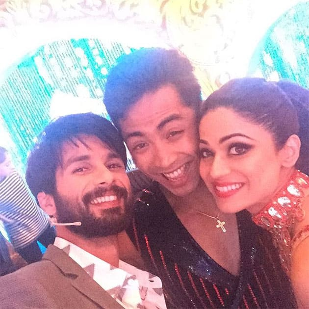 With our #super #cool #judge Shahid Kapoor #jhalakreloaded #Colors @deepak5678 smubashiraLuvly. Instagram/shamitashetty_official