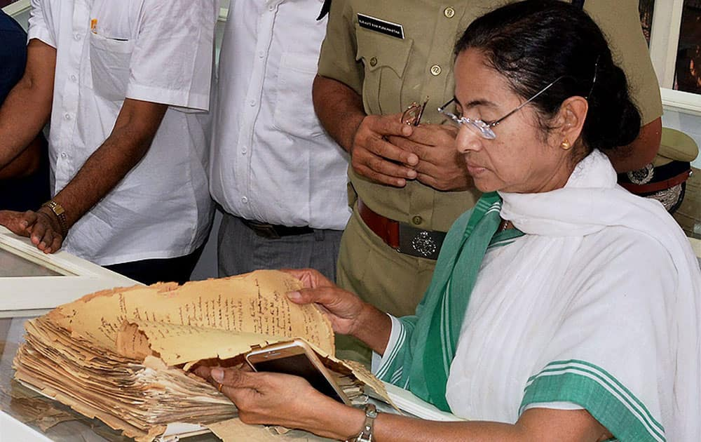 West Bengal Chief Minister Mamata Banerjee & Kolkata Police Commissioner Surajit Purkayastha at the release of the confidential files on Netaji at Kolkata Police Museum in Kolkata.