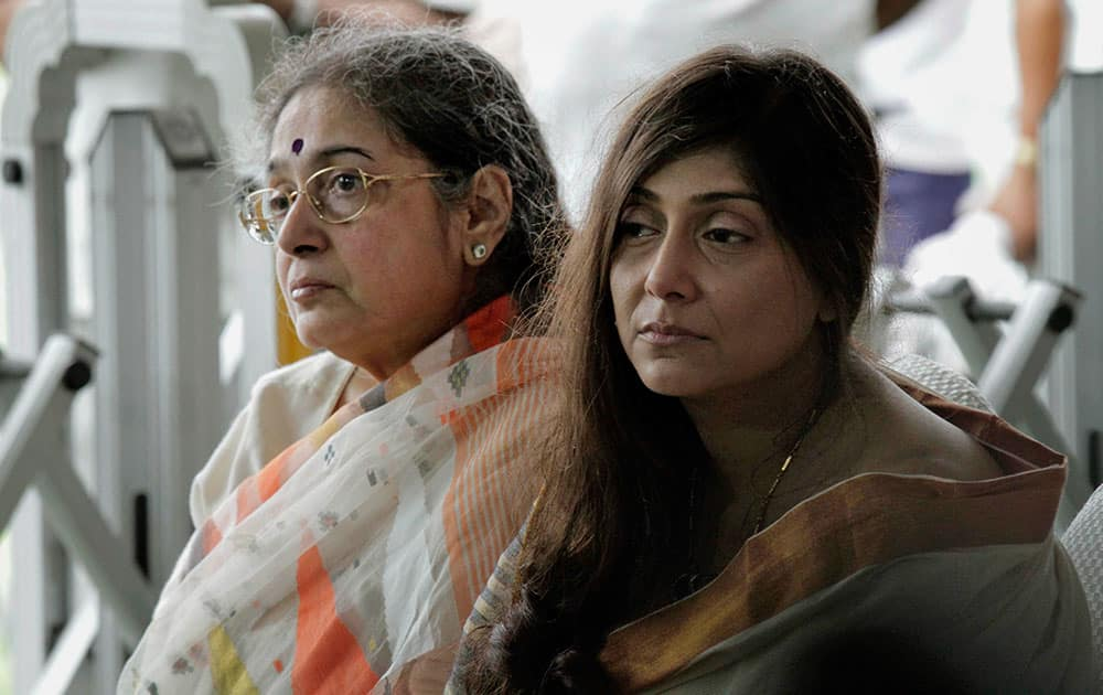 Wife Chandralekha Dalmiya and daughter Vaishali Dalmiya attend the funeral of Jagmohan Dalmiya, Board of Control for Cricket in India (BCCI) president and former International Cricket Council chief, in Kolkata.