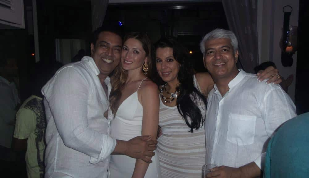 With @RealVinduSingh  and DIna in Goa at the wonderful 3 day birthday celebration of @amrik_r . Twitter@poojabeditweets