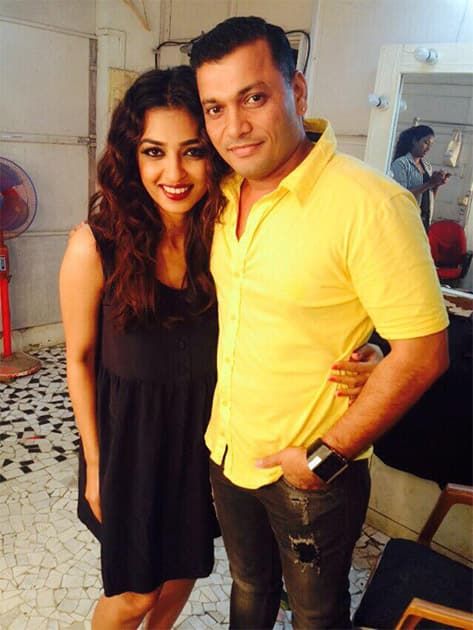 Shot with the amazing @imSubhashShinde today! Thank you and see you very soon. Twitter@radhika_apte