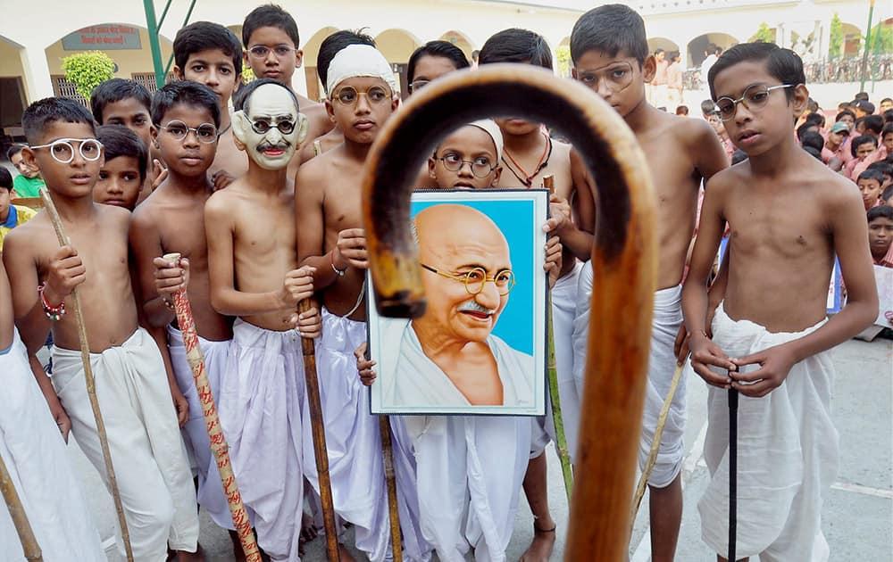 School children celebrating Gandhi Jayanti in Moradabad.