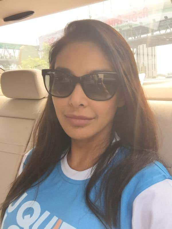 Pumped 2b supporting @FCPuneCity and @iHrithik on home ground tonight. Let me hear you roar #Pune! @IndSuperLeague - Twitter@Lisaraniray
