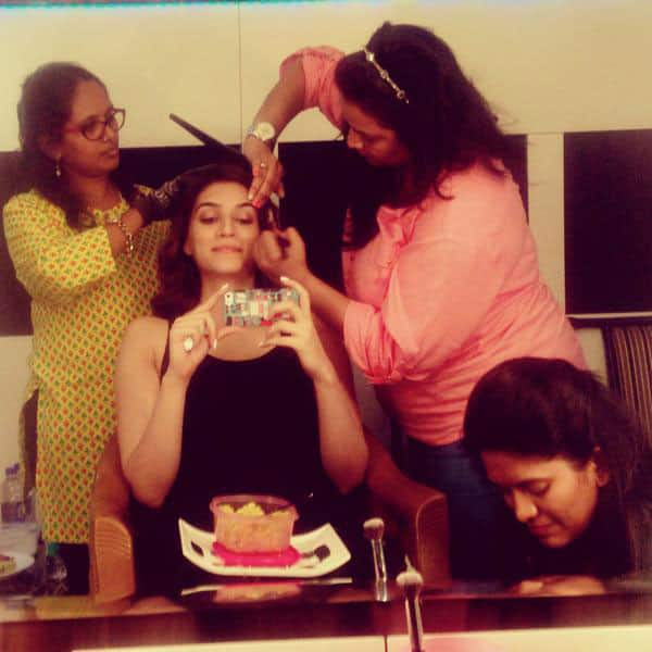 Kriti Sanon :-My team at work while i use the gettin-ready time to eat! wat would i do without u guys!! ❤❤ -twitter