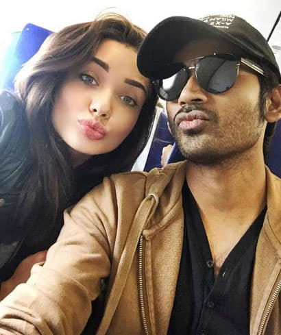 Soooo.. @dhanushviews has taught me the true essence of being an actor.. And in return I've taught him how to be the ultimate selfie pouter  Very veryyyy excited for you guys and girls to see the first look of my next movie release opposite Dhanush for VIP2.. First look OUT TOMORROW!!!! #DiwaliRelease - Instagram@iamamyjackson