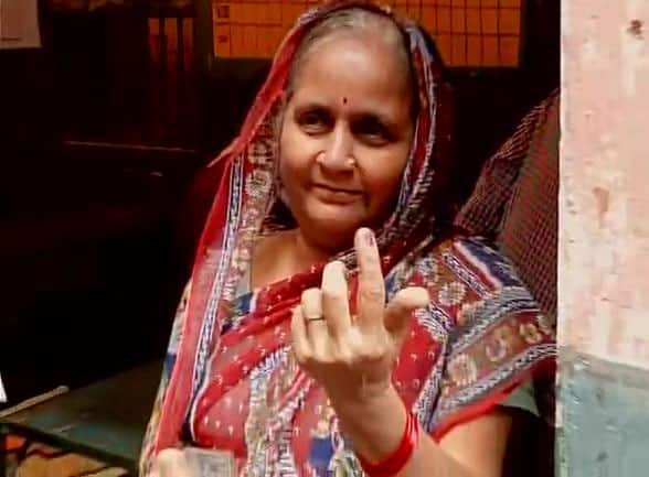 Polling underway for 1st phase of #Biharpolls: Voters lined up outside a polling booth in Bhagalpur  -twitter@ANI_news
