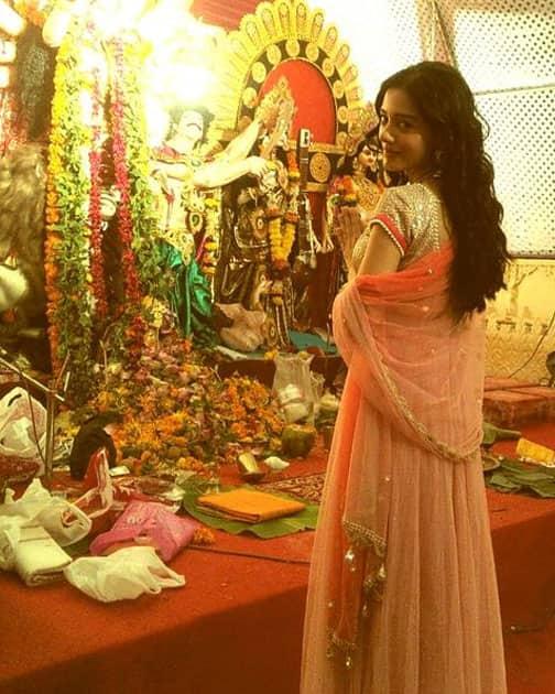 Wonderful Darshan of MaaDurga on Navami....Happiness to All! Twitter@AmritaRao