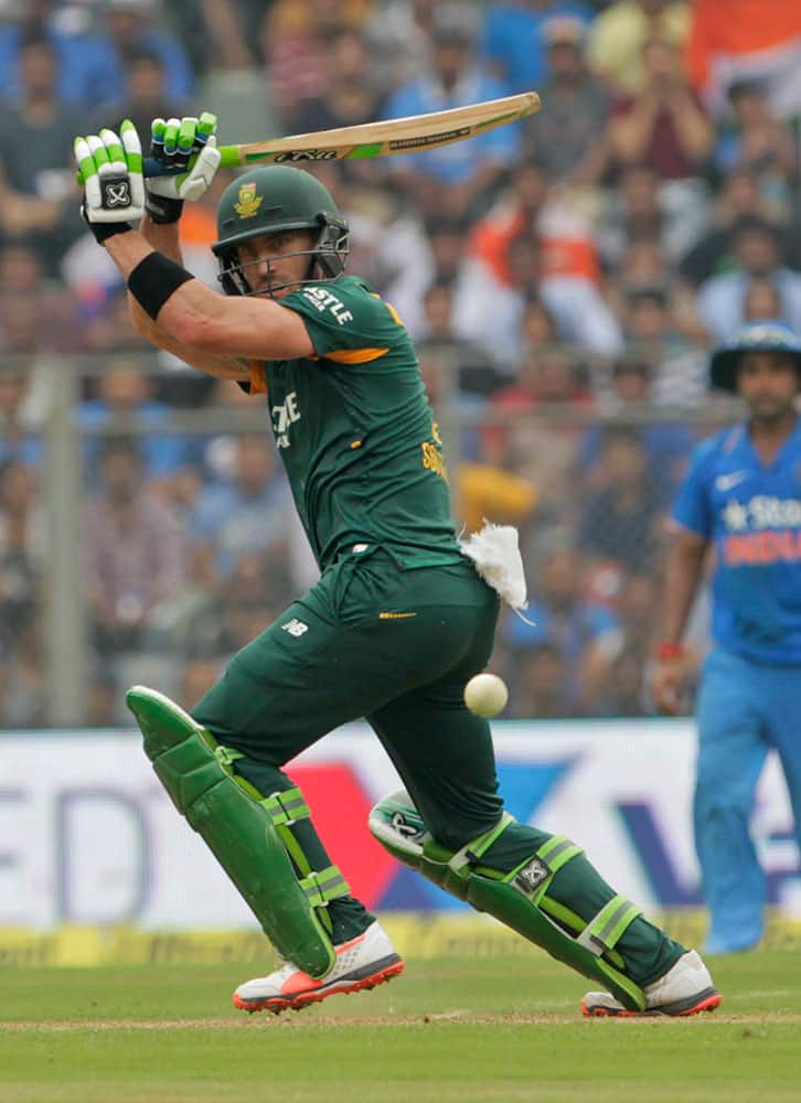 South Africa's Faf du Plessis bats during the final one-day international cricket match of a five-game series against India in Mumbai, India.