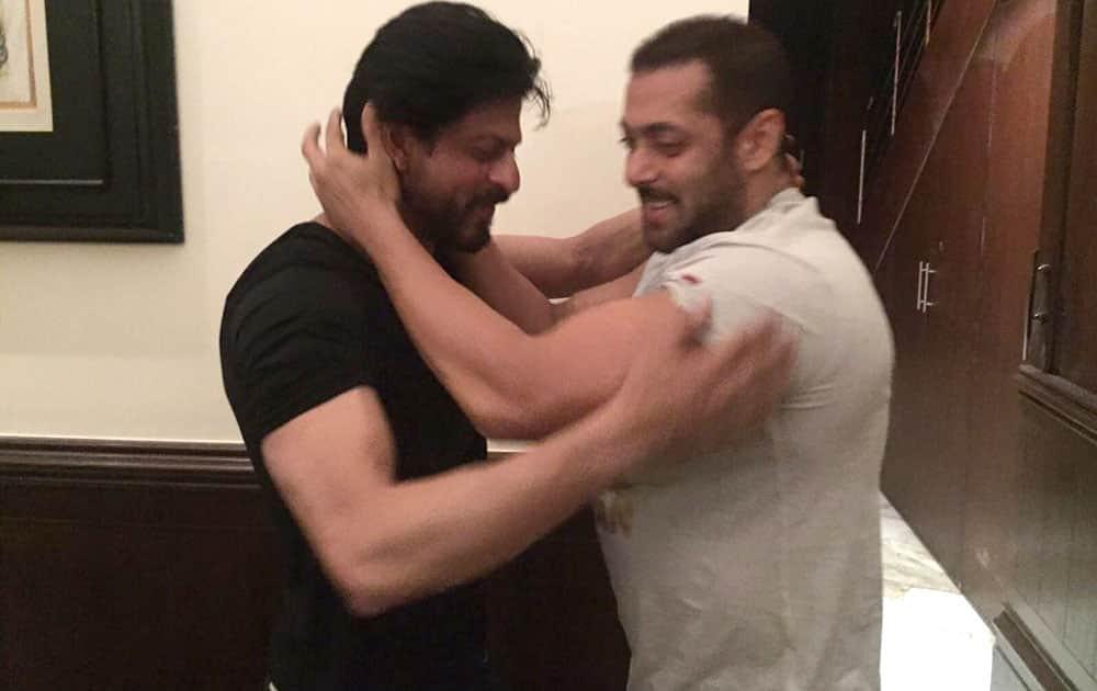 Shah Rukh Khan :- Prem Ratan Dhan Payo -twitter