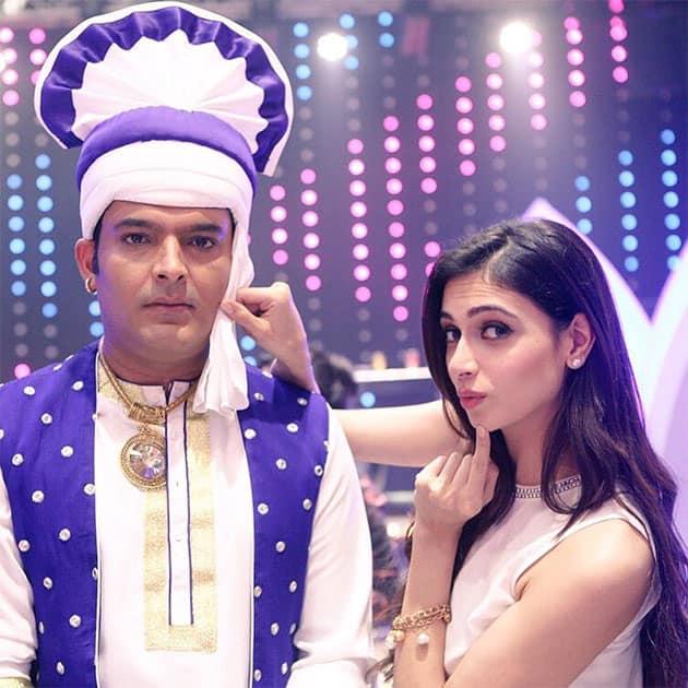 A #Diwali gift yayeee Watch KKPK movie on UTV movies at 8 pm Tonight #kkpk #kiskiskopyaarkaroon Dont Forget. Twitter@SimrankMundi