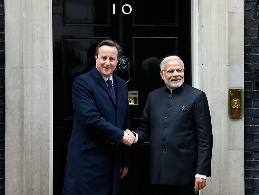 Prime Minister of India Narendra Modi is welcomed by British Prime Minister David Cameron at No 10 Downing Street in London.