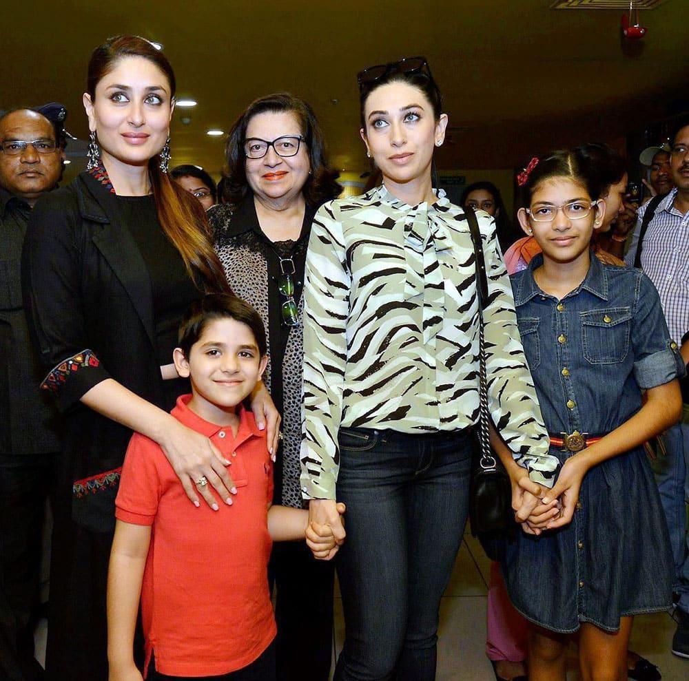 Samiera, Kareena Kapoor, Karisma Kapoor, Babita Kapoor join to watch the screening of their film Be Happy.
