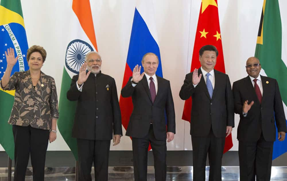 Leaders of BRICS Dilma Rousseff,  Narendra Modi, Vladimir Putin, Xi Jinping and Jacob Zuma pose for a photo during their meeting prior to the G-20 Summit in Antalya.