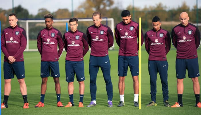 Paris attack: English players observe silence for victims