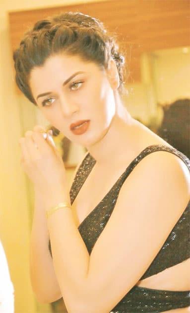 #Throwback @jewelcoutureindia #Jewels #OpeningCeremony #Events #Lategram  @yuvrajentertainment Twitter@kainaatarora