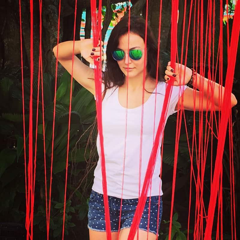 Elli Avram :- The red lines of Life.  #goadiaries -twitter