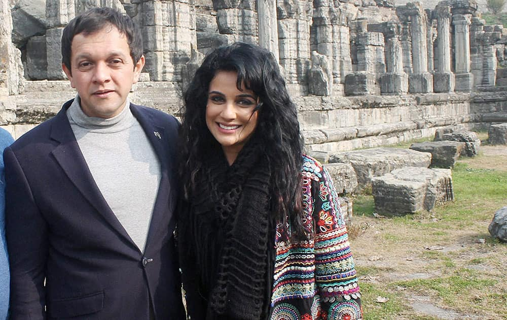 Actors Imran Khan and Sara Khan during the shoot of their upcoming movie Sargoshiyan, at Martand temple Awantipora, in Pulwama.