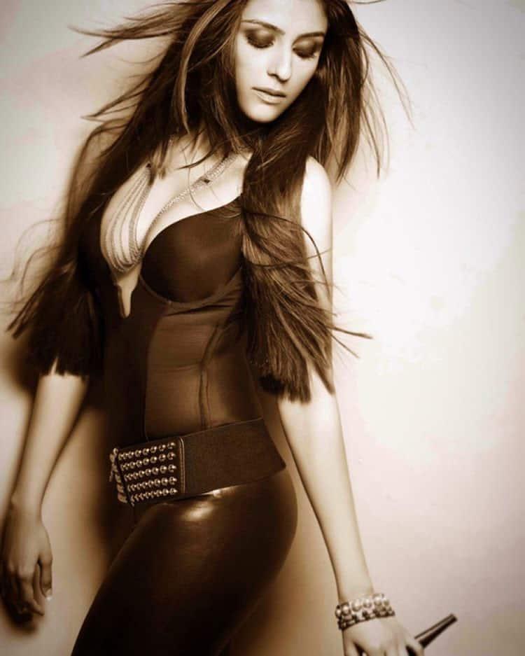 Aarti Chabria :- #blackisbeautiful #leatherpants #corset #straighthair #smokyeyes #smokyeyeshadow -instagram