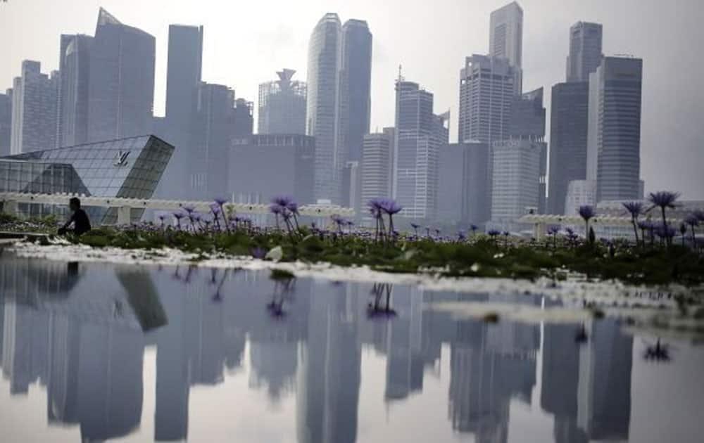 8. Singapore (GDP: $308 billion)