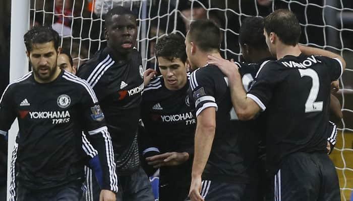 Guus Hiddink gets first Chelsea win, Tottenham Hotspur held