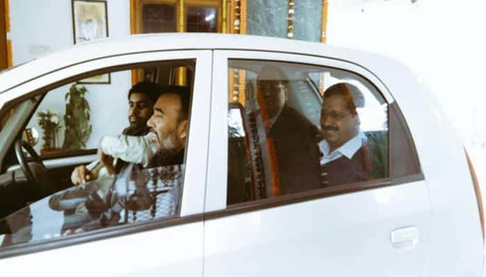 Delhi even-odd rule: Crowded public transport, car-pooling and more traffic cops on road