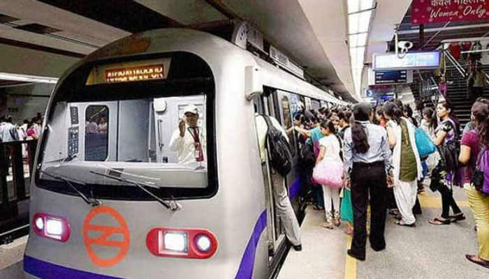 Odd-even formula: Delhiites travel by Metro, buses on Monday; DMRC says rush manageable