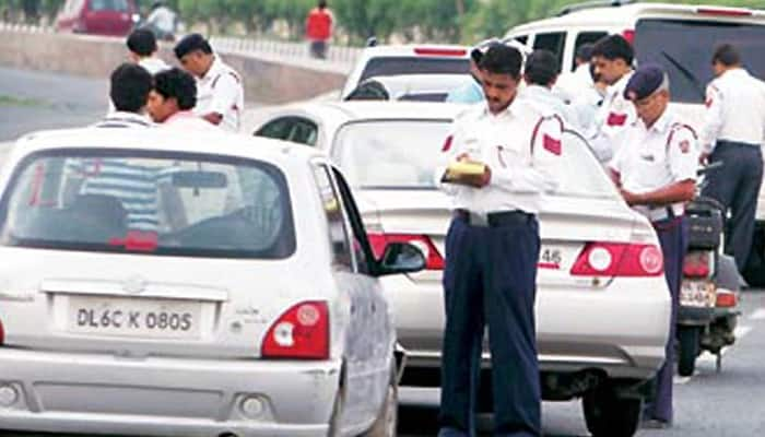 Now, Delhi traffic cops to be armed with pistols from next month